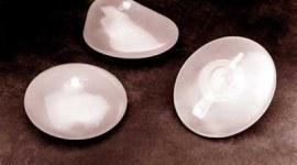 Los implantes mamarios deben revisarse cada 10 años