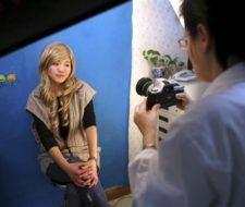 Una china quiere operarse para parecerse a Jessica Alba